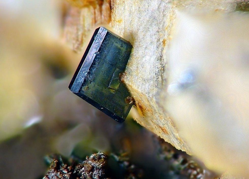 Úchvatné snímky krystalů minerálů začal fotograf pořizovat před šesti lety. Nyní jich má na kontě už kolem třinácti stovek