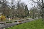 Prázdné město duchů. Na procházku nepřilákal Ústečany ani 1. Máj, chyběly stánky a atrakce pro děti, parky zely prázdnotou, stejně jako rozkvetlé ulice.