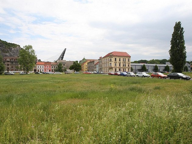 Zde zřejmě vyroste nové obchodní centrum na Střekově.