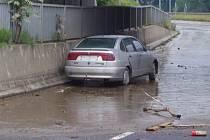 Při průjezdu městem musí řidiči počítat s dopravními omezeními.