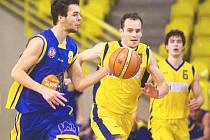 Ústecký basketbalista Marek Slunečko pomohl svému týmu k postupu do semifinále 1. ligy.