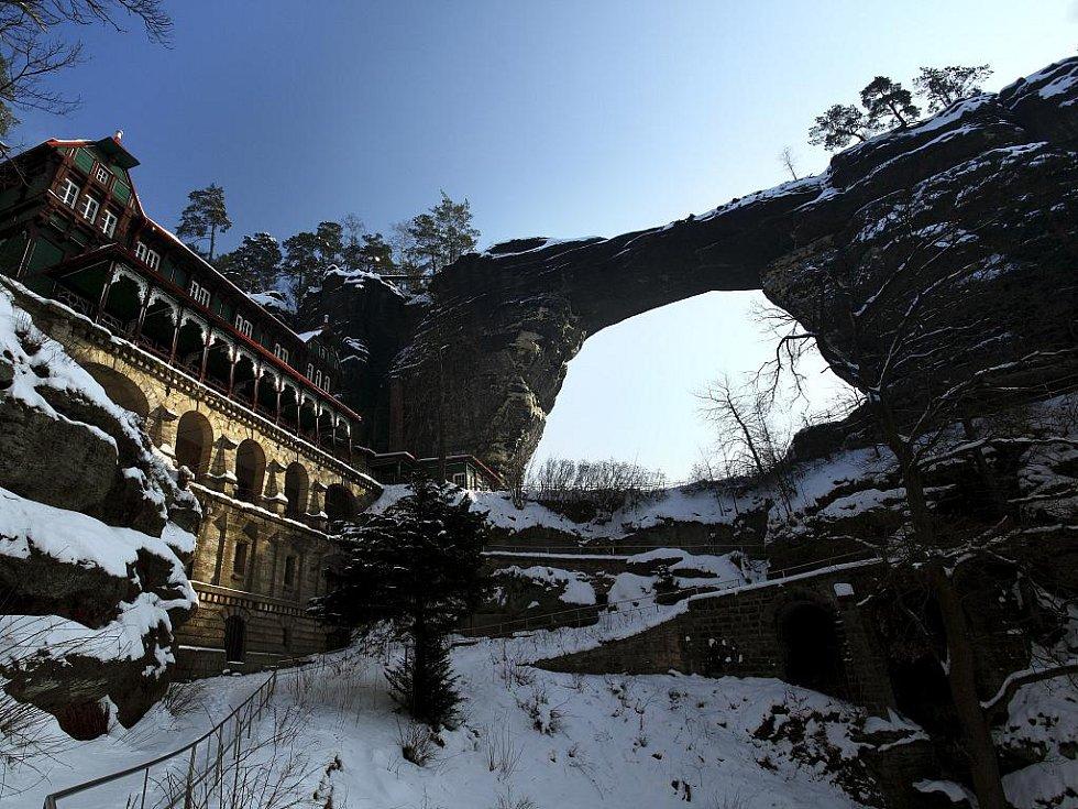 Pravčická brána je vyhledávaným místem turistů.