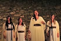 Opera Libuše na hradě Střekov. V hlavní roli se představila Eva Urbanová