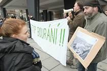 Protest před ústeckým magistrátem...
