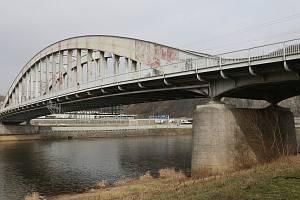 Lávku chtěl původně postavit Ústecký kraj v souvislosti s rekonstrukcí mostu Edvarda Beneše.