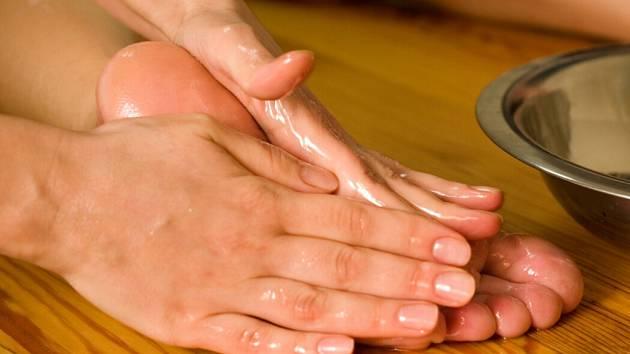 Harmonie celého těla začíná vždy od nohou.