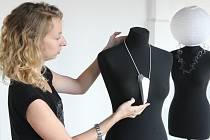 Kolekci šperků mladých designerů představuje Galerie pro design v areálu Armaturky.