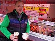 MAĎARSKÉ A SLOVENSKÉ MASOVÉ SPECIALITY jsou na farmářském trhu u OC Forum k dostání každý čtvrtek.