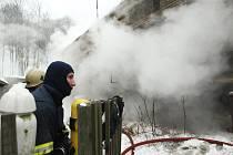 Požár starého rodinného domu v Telnici na Ústecku.
