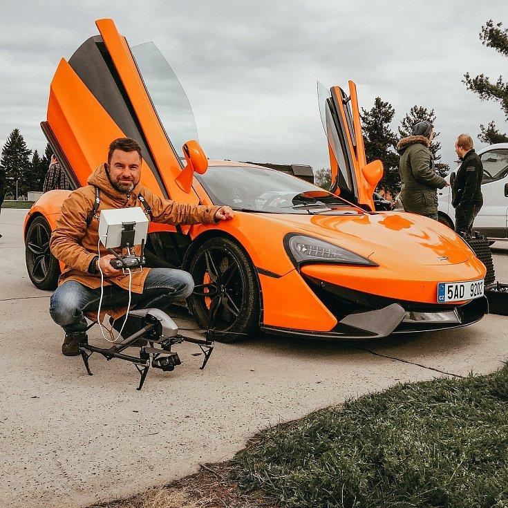 Pavel Šíma je fotograf a kameraman, který často využívá dron.