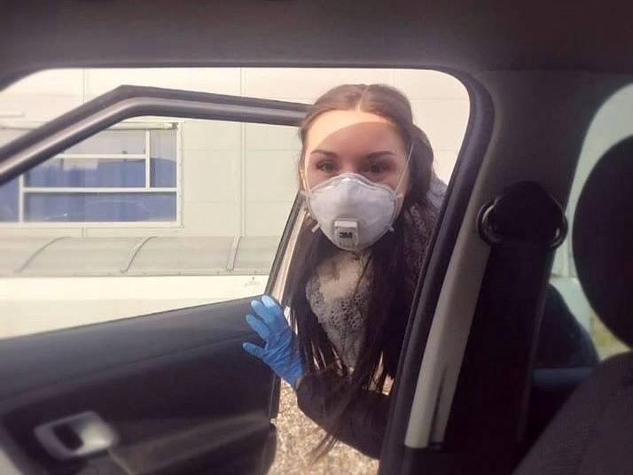 Cesta do lékárny. Fotku nám poslala Mamon La Reina přes facebook