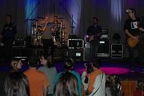 Na koncert No Name přišlo jen pár lidí.