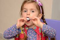 Děti se v cukrárně dobře bavily, například plněním nejrůznějších úkolů.