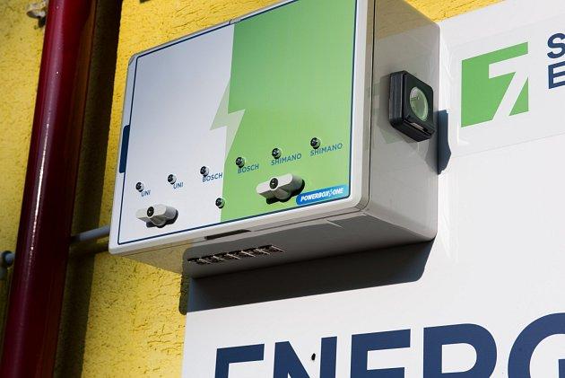 Dobíjecí stanice pro elektrokola projektu Sev.en Energy for Bikers
