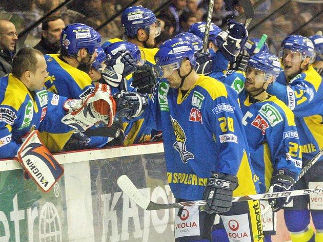 Ústečtí Lvi vyhráli v Brně 2:1 v prodloužení a celou finálovou sérii 4:2 na zápasy.