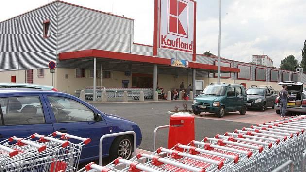 Nově najdou od začátku roku Ústečané pobočku České pošty v Kauflandu ve Všebořické ulici, která má otevřeno i o víkendu.