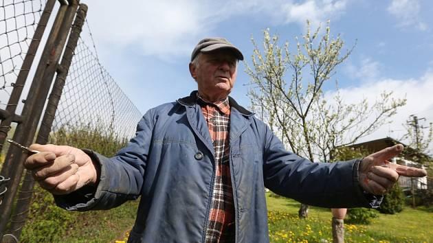 Tajemník základní organizace Českého zahrádkářského svazu U Habrovického rybníka Zdeněk Beránek říká, že se zahrádkáři nevzdávají a chtějí o prodeji pozemků pod svými chatami dál jednat.