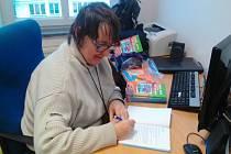 Ústecká knihovna s TyfloCentrem představí slabozrakou autorku.