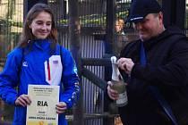 Mládě gibona bělolícího v sobotu v ústecké zoologické zahradě pokřtila gymnastka Anna Mária Kányai.