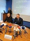 Policie odložila případ Michaely Muzikářové z Ústí nad Labem, která se pohřešuje od začátku ledna tohoto roku. Kriminalisté to oznámili na páteční hojně navštívené tiskové konferenci.