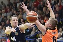 Basketbalové derby mezi Ústím a Děčínem.