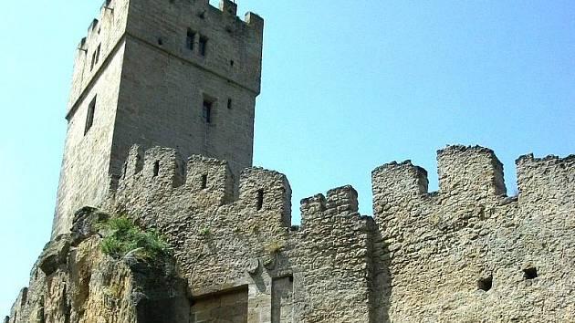 Volně přístupný středověký hrádek má své kouzlo.