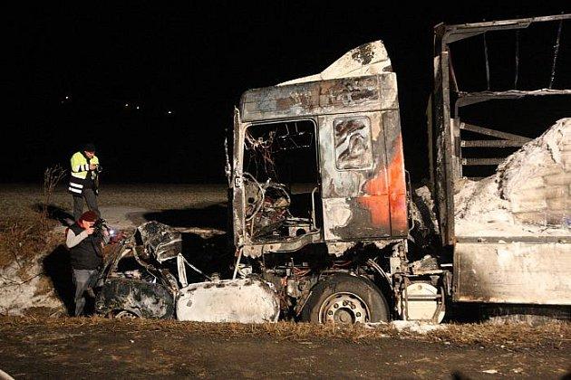 Tragická nehoda u Bělušic, při níž zemřel dvacetiletý mladík.