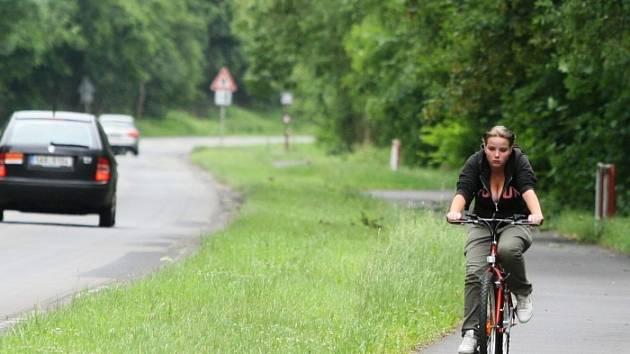 Cyklostezka mezi Brnou a Sebuzínem.
