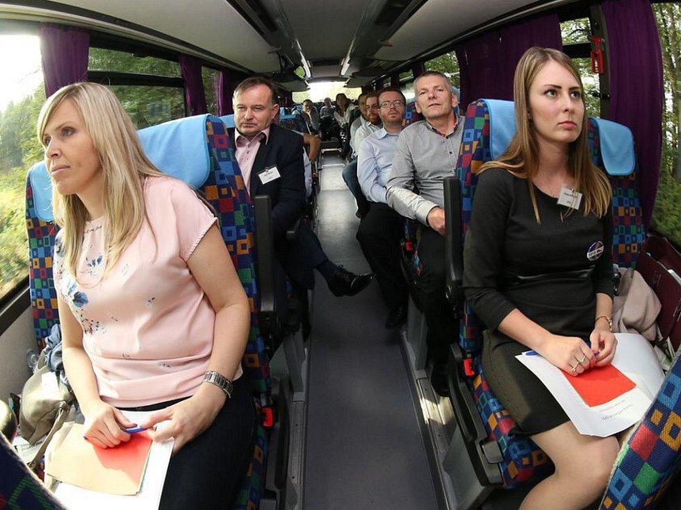 Hana Aulická Jírovcová (vlevo) a Tereza Hyťhová se zúčastnily setkání v rámci akce Deník-bus.