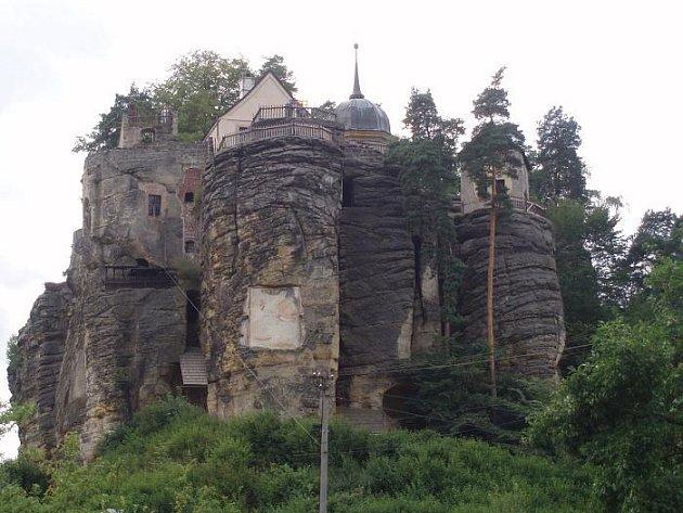 Navštivte Skalní hrad ve Sloupu v Čechách