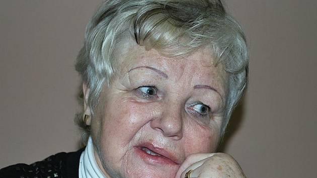 Ona hled jeho drec nad Doubravou | ELITE Date