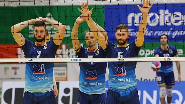 Martin Pavlovský (uprostřed), Martin Tibitanzl (7) a Lars Bornemann.