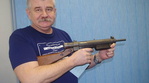 Ústecká policie ukázala zajímavé zbraně odevzdané během amnestie.