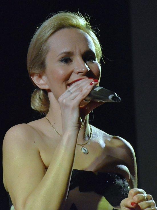 Monika Absolonová na nedávném XVIII. Plese všech Ústečanů v DK Ústí.