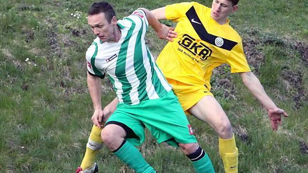 Fotbalisté Libouchce (zeleno-bílí) na jaře poprvé prohráli.