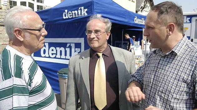 Se starostou a místostarostou diskutovali také místní obyvatelé