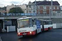 Podjezd na Benešův most je dokončován, objížďka autobusů bude za pár dnů minulostí