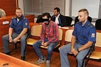 Josef K. zLoun se u ústeckého soudu zpovídá z utýrání malého chlapce