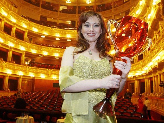 Pěvkyně Anna Klamo, sólistka ústeckého divadla, získala cenu za roli kněžky Lakmé ve stejnojmenné opeře Léa Delibese.