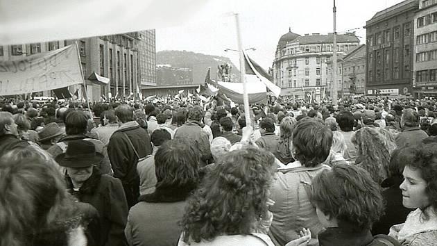 Ústí, 28 listopad 1989, Mírové náměstí.