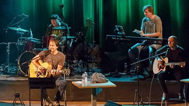 I hit o hvězdách zazní na koncertě slovenské skupiny Team v čele se zpěvákem Pavolem Haberou.