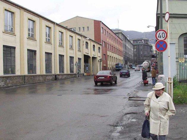 Žukovova ulice na Střekově