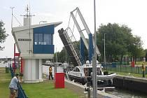 Realitní makléř z Varnsdorfu si z dovolené na lodi v holandském Frieslandu udělal byznys.