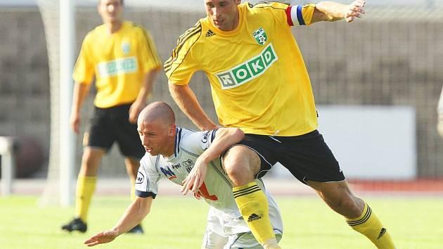 Druholigoví fotbalisté Ústí domácí utkání s nováčkem z Karviné nezvládli a překvapivě prohráli 1:3.