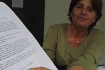 Podpis na smlouvě je podle Ireny Matějkové zfalšovaný.