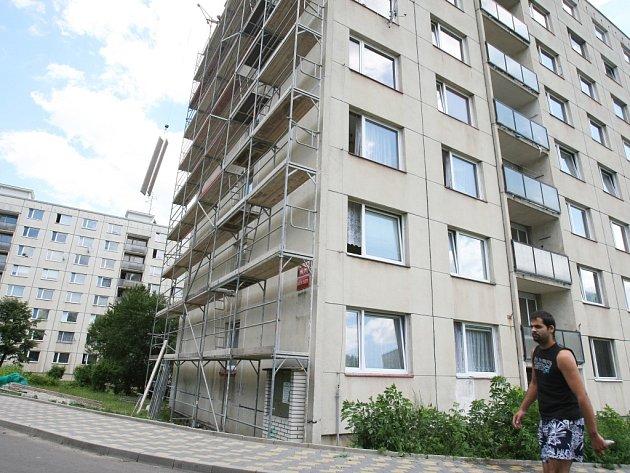 Na sídlišti Mojžíř v neštěmickém obvodu město investovalo miliony korun z evropských dotací. Přesto jsou zde lidé nespokojení a budoucnost nevidí příliš růžově.