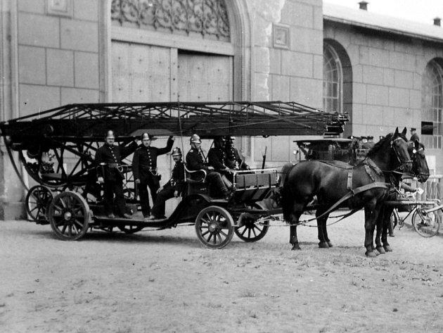 Doprava v době, kdy koně nebyli pod kapotou.