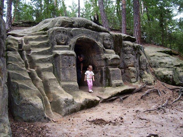 Jeskyně u Harfenice.