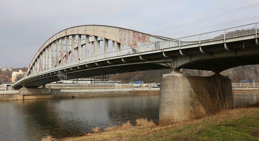 Most Edvarda Beneše v Ústí nad Labem na archivním snímku