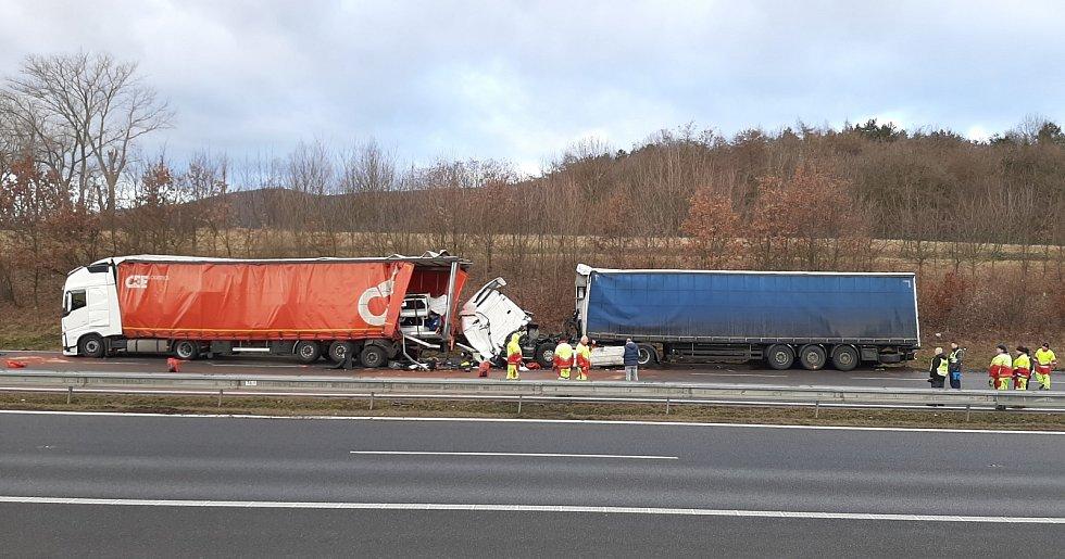 Tragická nehoda na dálnici D8 u Chlumce